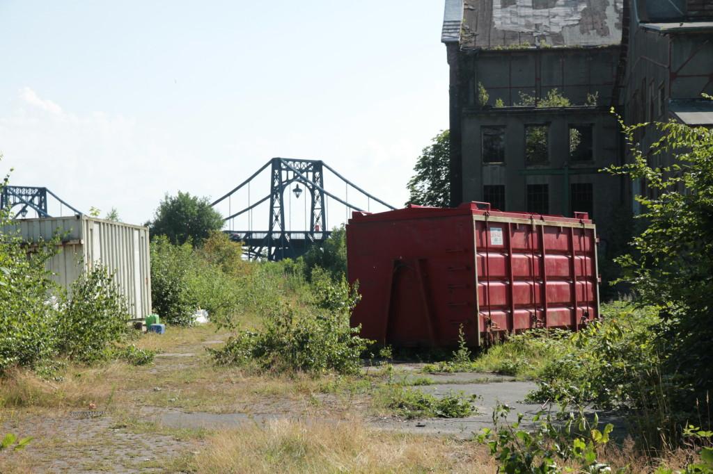 Baucontainer auf dem Gelände der Südzentrale Juli 2014